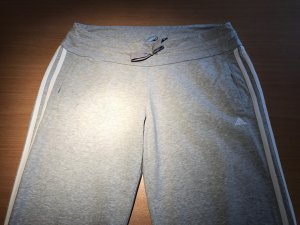 Coole Adidas Jogginghose in grau