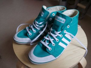 Coole Adidas Sneaker Gr. 7,5 türkis, Special Edition