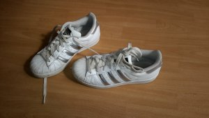 Coole Adidas Superstar Schuhe in Größe 36
