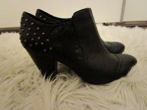 5th Avenue Booties black