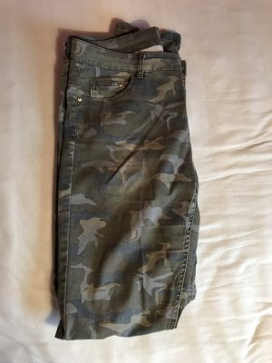 Coole Armyhose in 40
