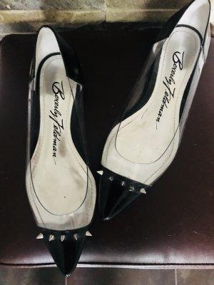 Coole Ballerinas mit Nieten und Vinyl-Einsätzen von Beverly Feldman