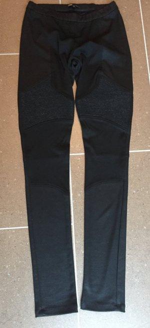 Coole, beschichtete Leggings in Schwarz mit Einsätzen - von MAJE (Gr. 3)
