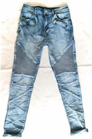 coole Biker Jeans.....mogelt ein paar kilos runter