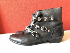 Asos Botas de tobillo negro-color plata Cuero