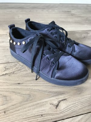 Lace-Up Sneaker dark blue