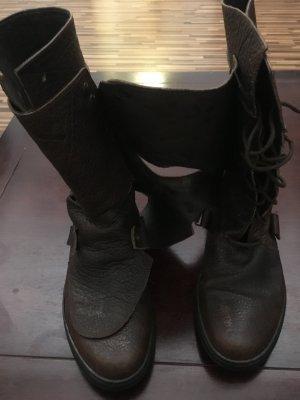 Botas color bronce