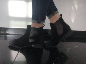 Coole Boots in schwarz