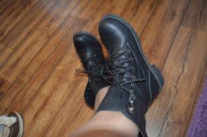 Coole Boots in schwarz wie Neu Gr. 39
