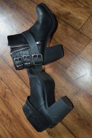 Coole Boots schwarz H&M Gr. 40 Top mit Schnallen