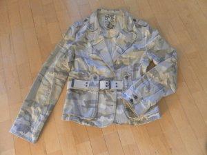 Coole Camouflage Jacke / Suburban Culture (SUB Level)