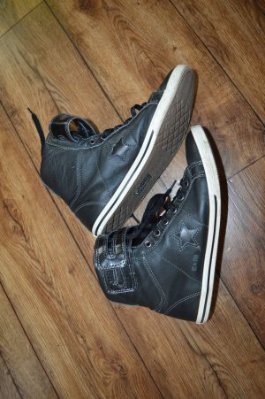 Coole Converse// All Stars // Gr. 39 in schwarz