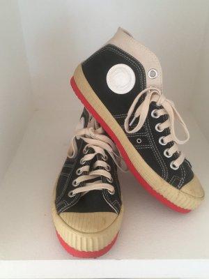 coole Diesel Damen Sneaker / TOP ZUSTAND / nur 2x im Haus getragen / NP 159,00€