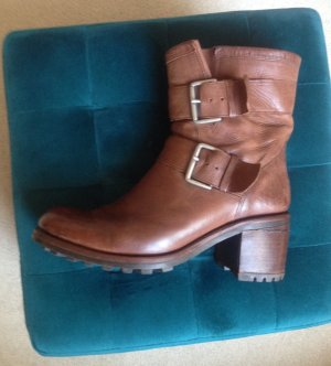 coole Free Lance Boots