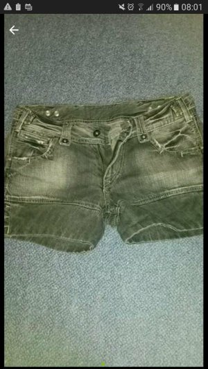 Coole graue Jeansshorts