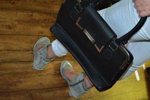 Coole Handtasche orsay schwarz silber wie Neu Top