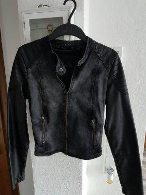 Coole Jacke mit Lederärmel