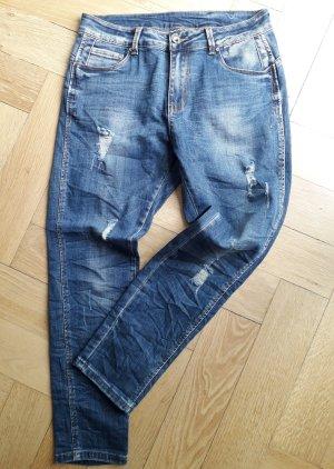 "coole Jeans im ""destroyer- look"", Gr. M (38/40 )  NEU !!!"