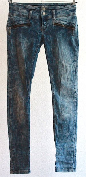 Coole Jeans im Washed Batik Look
