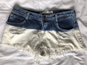 Coole Jeansshorts in Dip-Dye Optik mit Nieten