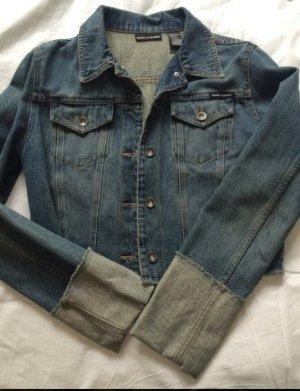 Coole kurze Jeansjacke von DKNY
