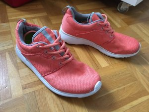 coole lachs korall farbene Deichmann Sneaker Turnschuhe