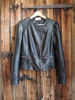 coole Lederjacke mit süßen Details (kein echtes Leder)