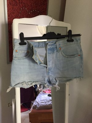 Coole Levi's Jeansshort in light Blue