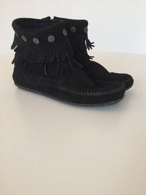 Coole Minnetonka Mokassins Boots Stiefeletten mit Fransen  Wildleder schwarz 39