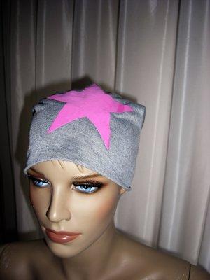 Chapeau en tissu magenta-argenté