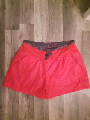 Coole neonfarbene Sporthose/ Shorts