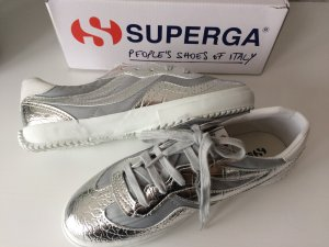 Coole neue SUPERGA sneakers / grau Silber