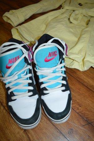 Coole Nike Schuhe Gr. 40 von mir