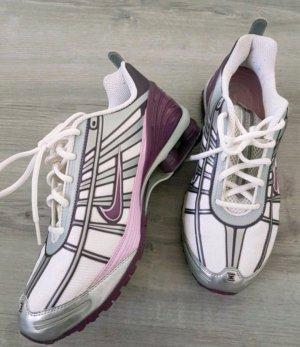 Coole Nike Turnschuhe Gr. 41