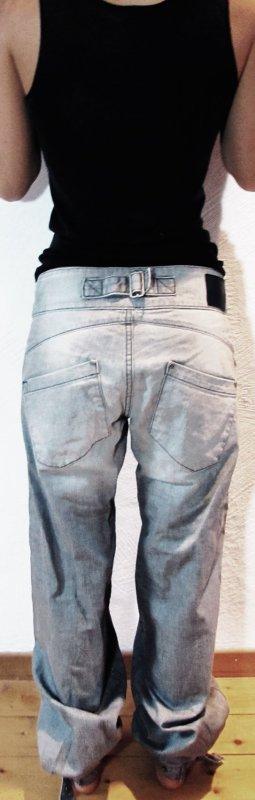 Coole Nikit Jeans mit Pep