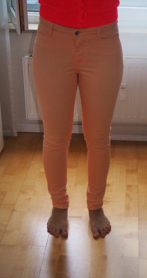 Coole orangene Jeans