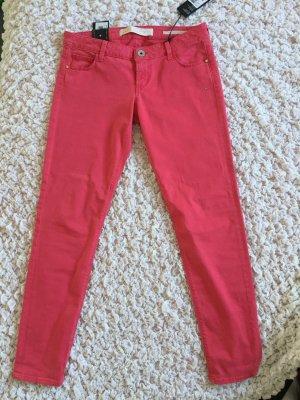 Coole pinkfarbene Hose