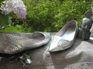 Coole Prada Luxus Ballerias Spitz Silber Metallic Lochmuster NP 647 €
