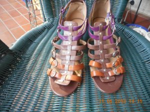 Strapped High-Heeled Sandals brown-purple