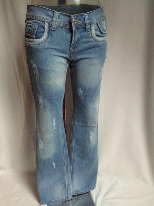 Diesel Jeans a zampa d'elefante blu pallido-azzurro