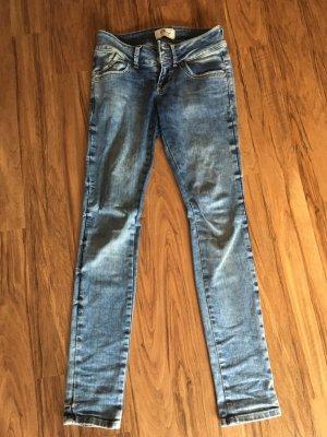 Coole schmale Jeans von LTB