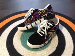 coole Schuhe mit bunten Muster, Gr. 41, NEU!!!