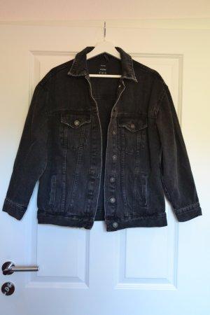 Coole schwarze Jeansjacke