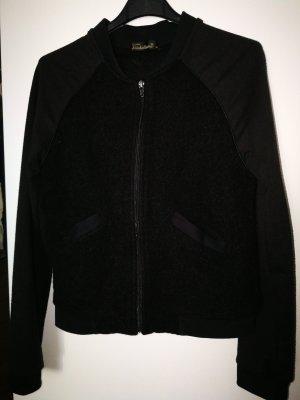 coole schwarze kurze Jacke