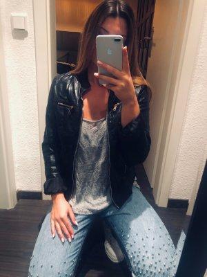 coole schwarze Lederjacke
