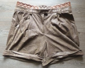 Coole Shorts von 2b Rych in Lederoptik