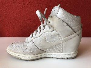 Nike Sneaker con tacco bianco sporco-beige chiaro Materiale sintetico