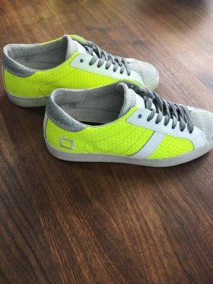 Coole Sneaker mit aktuellen Silber Glitzer