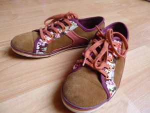 coole Sneaker mit Blumen-Muster
