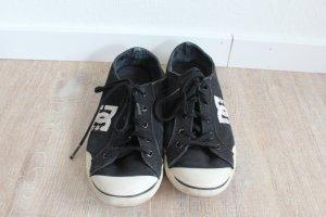 Coole Sneaker von DC